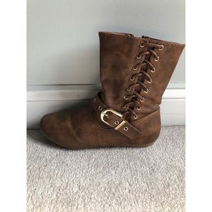 Shoes - Short Brown boots